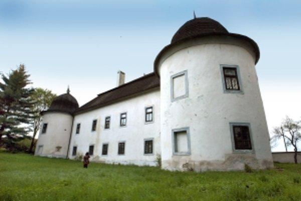 Kaštieľ rodiny Ostroluckých.