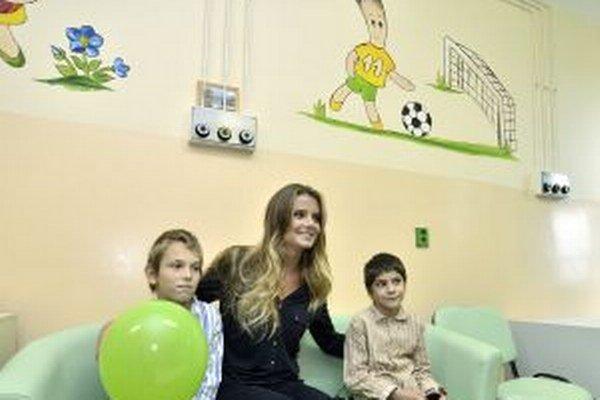 Daniela Hantuchová medzi detskými pacientmi.