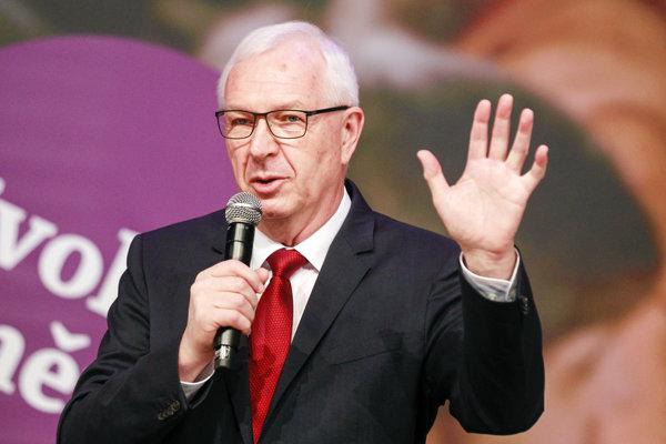 Drahoš chcel vrátiť do prezidentského úradu dôstojnosť a solídnosť.