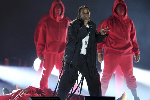 Kendrick Lamar mal byť hviezdou večera, no opäť uspel len v žánrových kategóriách.
