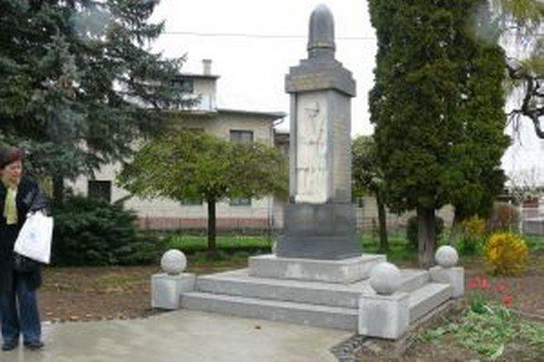 Pamätník v Rybároch odhalili v roku 1936. Stál vtedajších 24-tisíc korún.