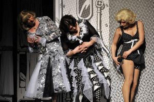 Muzikál Sugar! vznikol na základe legendárneho filmu Niekto to rád horúce s Marilyn Monroe. Pricestuje s ním Mestské divadlo Brno.