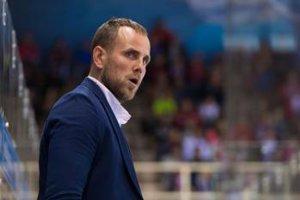 Tréner hokejistov Nitry Andrej Kmeč.