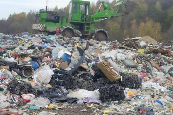Sninská skládka. V súčasnosti sa na ňu odpad nevyváža.