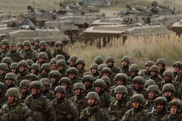 """Do osemdňovej výcvikovej akcie pod názvom """"Spoločný cieľ 2010 - Joint Goal 2010"""" sa na celom Slovensku zapája viac ako 1600 vojakov."""