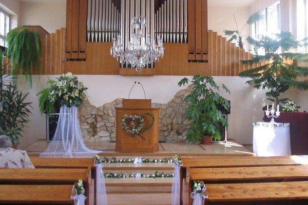 Kostol BJB v Lučenci