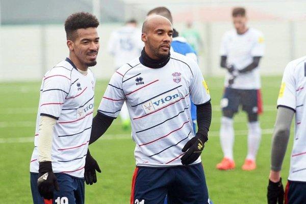 Robert Bartolomeu (vľavo) už strelil v príprave šesť gólov za FC ViOn.