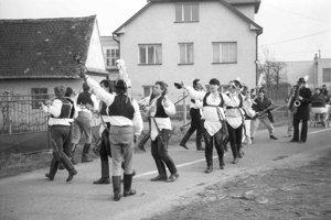 Tanec Pod šable v Borskom Mikuláši.