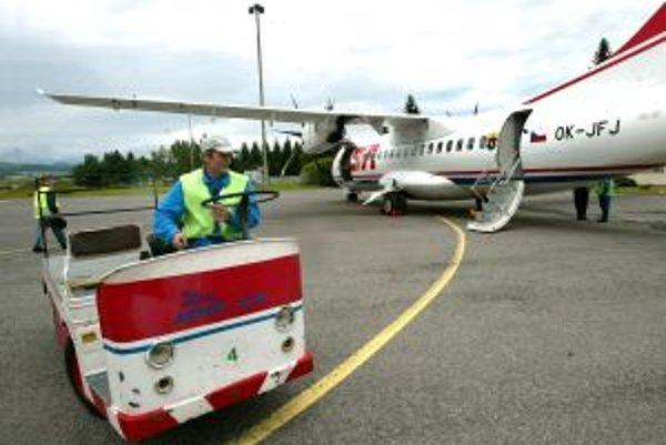 Letisko chce znova zaviesť pravidelnú linku do Prahy.