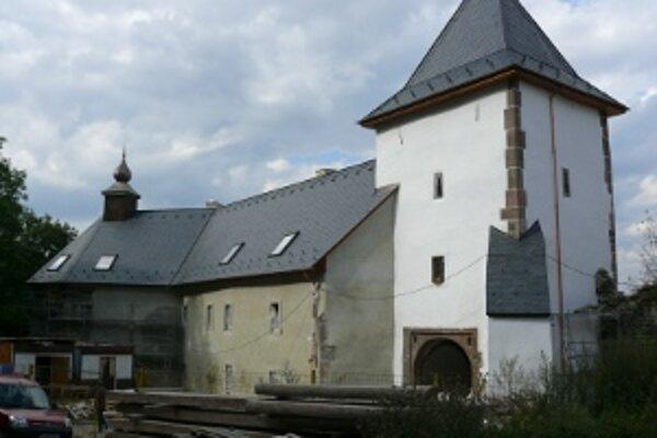Tento rok rekonštrukciu zámku ešte neukončia.