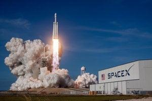 Štart Falcon Heavy.