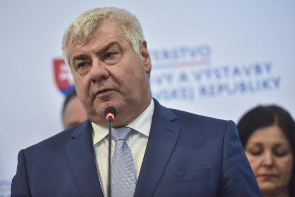 Minister dopravy a výstavby SR Árpád Érsek.
