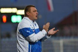 Tréner Slovenska Milan Malatinský počas prípravného medzištátneho zápasu Slovensko U19 -  Anglicko U19.