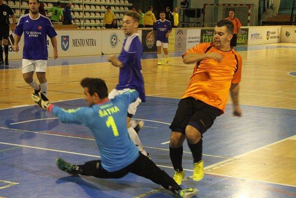 V prvom zápase turnaja Hájske porazilo Kynek 5:1.