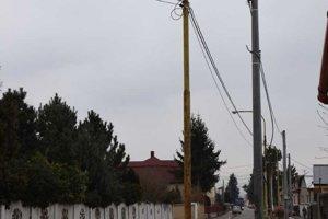 Stĺp na Kapušianskej ulici, na ktorom vyhasol život študentky.