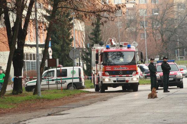 Bombu na Ulici stavbárov v Prievidzi polícia nenašla.