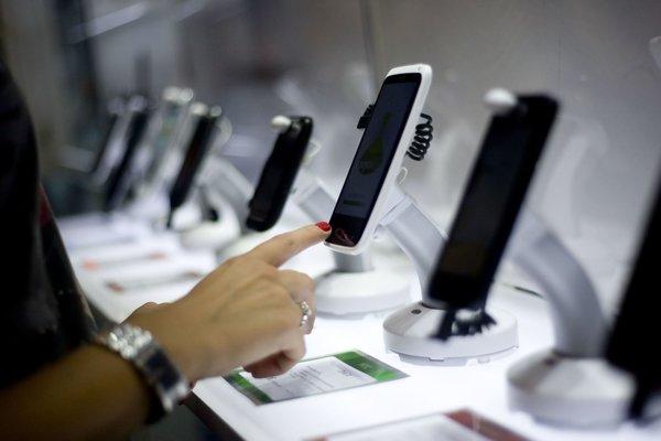 Aplikácie k nám prišli najmä so smartfónmi.