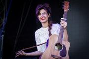Izraelská speváčka Yael Shoshana Cohenová vedie kapelu Lola Marsh.