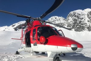 Vrtuľník v akcii vo Veľkej Studenej doline.