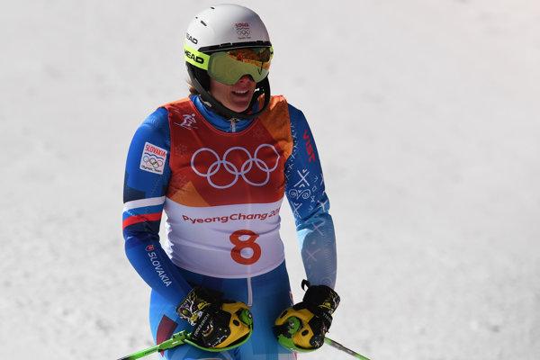 Veronika Velez-Zuzulová po dojazde do cieľa slalomu.