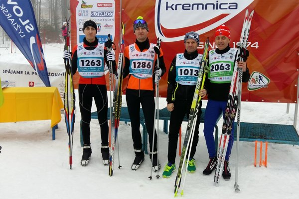 Bežci zMedzilaboriec, zľava Štefan Macho, Maroš Tyrpák, Ján Murdzík, Miroslav Smetana.