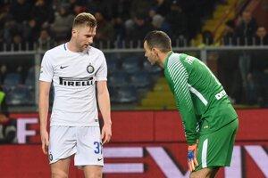 Inter Miláno v zostave aj s Milanom Škriniarom (vľavo) nestačil na Janov.