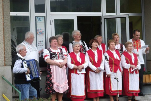 Aktívni dôchodcovia vymysleli hymnu obce.