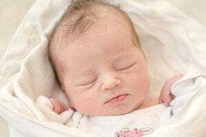 Nikola Pagáčová (3580 g, 50 cm) sa narodila 15. februára  Denise a Jozefovi z Vršateckého Podhradia. Doma sestričku čaká štvorročná Anetka.