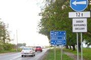 Jednou z opravovaných ciest má byť dopravná spojnica Kalná nad Hronom - Podhájska - Šurany.