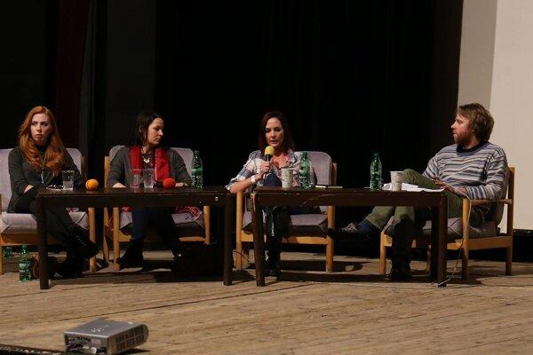 Festival tradične obohacujú diskusie na aktuálne témy.