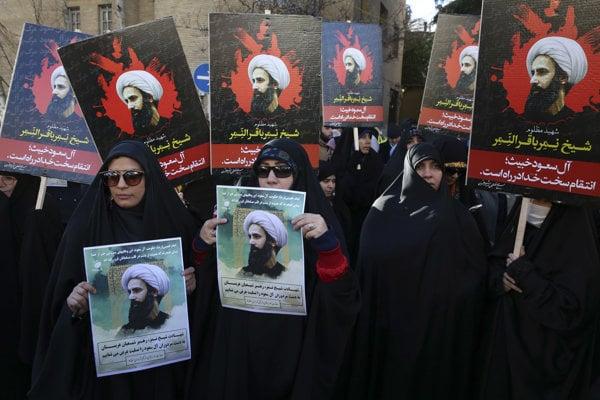 Poprava šiitskeho duchovného vyvolala v Iráne hromadné protesty.