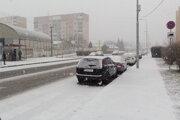 Dodávateľ má na starosti hlavné ťahy chodníkov, ako napríklad pri Nitrianskej ulici.