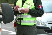 Policajti zadržali na cestách Žilinského kraja 34 podgurážených vodičov.