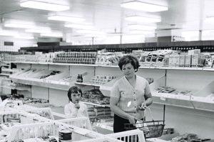 Funkcionári nakupovali v lepších obchodoch.