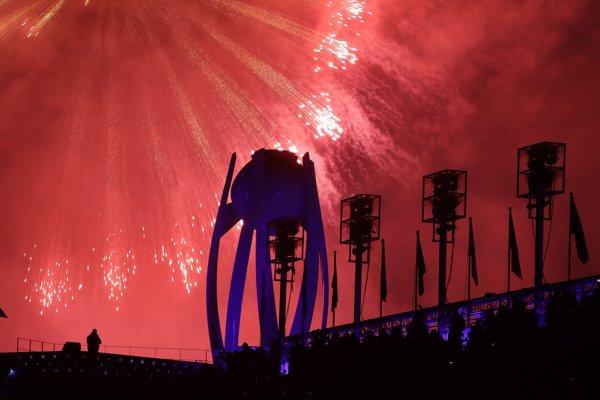 Olympijský oheň už dohorel.