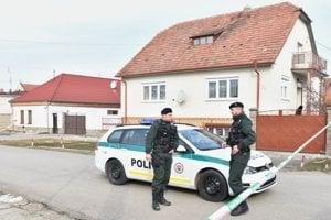 Novinára Jána Kuciaka spolu s priateľkou zavraždili v rodinnom dome v obci Veľká Mača.