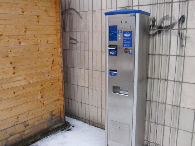 V automatickej stanici vodiči zaplatia poplatok.