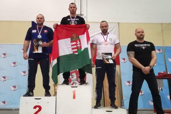 Golemova ruka - Na stupni víťazov Martin Caletka (na 2. mieste) aSamuel Hlubík (na 3. mieste).