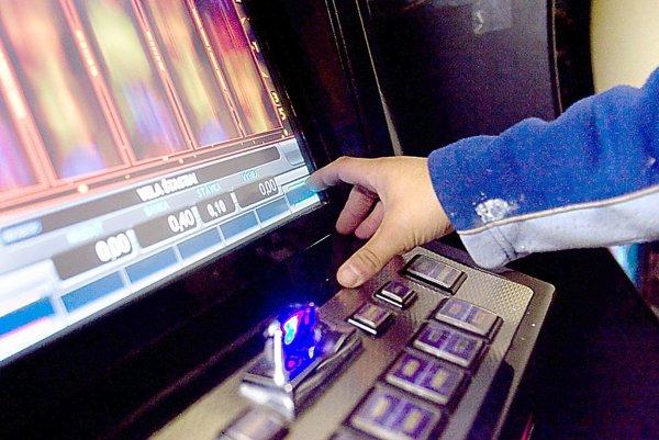 V Pružine mali od nového roka hracie automaty v reštauráciách stop.