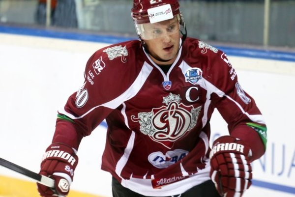 Georgijs Pujacs bol kapitánom Dinama Riga v KHL.