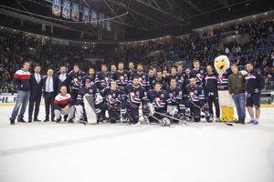 Tím HC Slovan Bratislava po poslednom zápase Kontinentálnej hokejovej ligy (KHL) v aktuálnej sezóne.