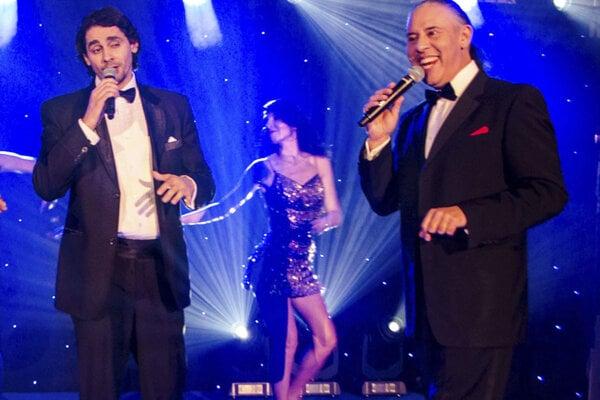Na prievidzskom plese zaspievajú aj Karol Csino (vľavo) a Berco Balogh.