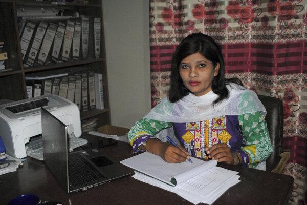 Krišna Kumárí, členka Pakistanskej ľudovej strany (PPP), pochádza z kasty tzv. nedotknuteľných, čo je v pakistanskom a indickom kastovom systéme tá najnižšia skupina.