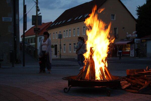 Vatra v centre kúpeľného mesta.