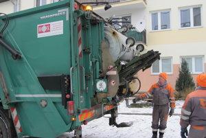 Ľudia si musia zvyknúť na nové termíny odvozu komunálneho odpadu.