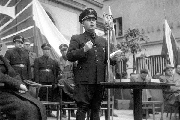 Minister vnútra a hlavný veliteľ Hlinkovej gardy Alexander Mach - FOTO Wikimedia