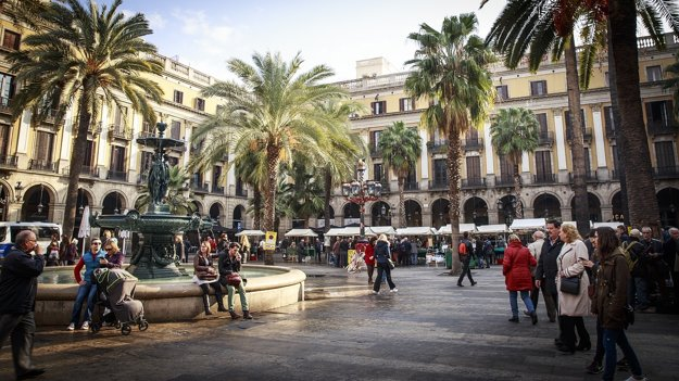 Plaça Reial v starom centre Barcelony