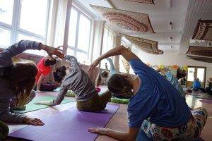 Skupinové cvičenie jogy