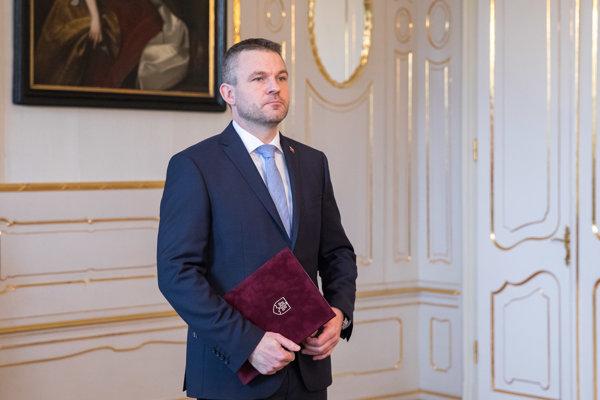 Podpredseda vlády SR pre investície a informatizáciu Peter Pellegrini počas prijatia prezidentom SR v Prezidentskom paláci.