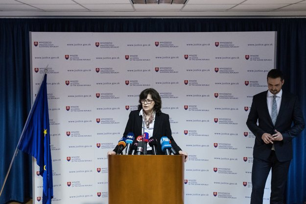 Lucia Žitňanská predstúpila pred novinárov.